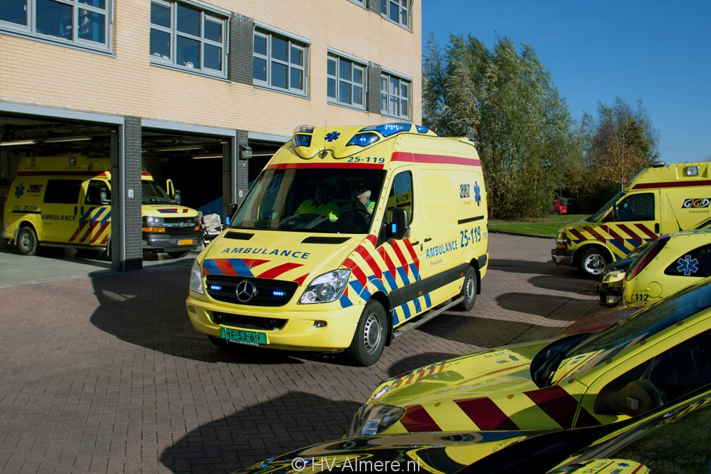 Nieuwe Ambulances Voor Rav Flevoland Hv Almere