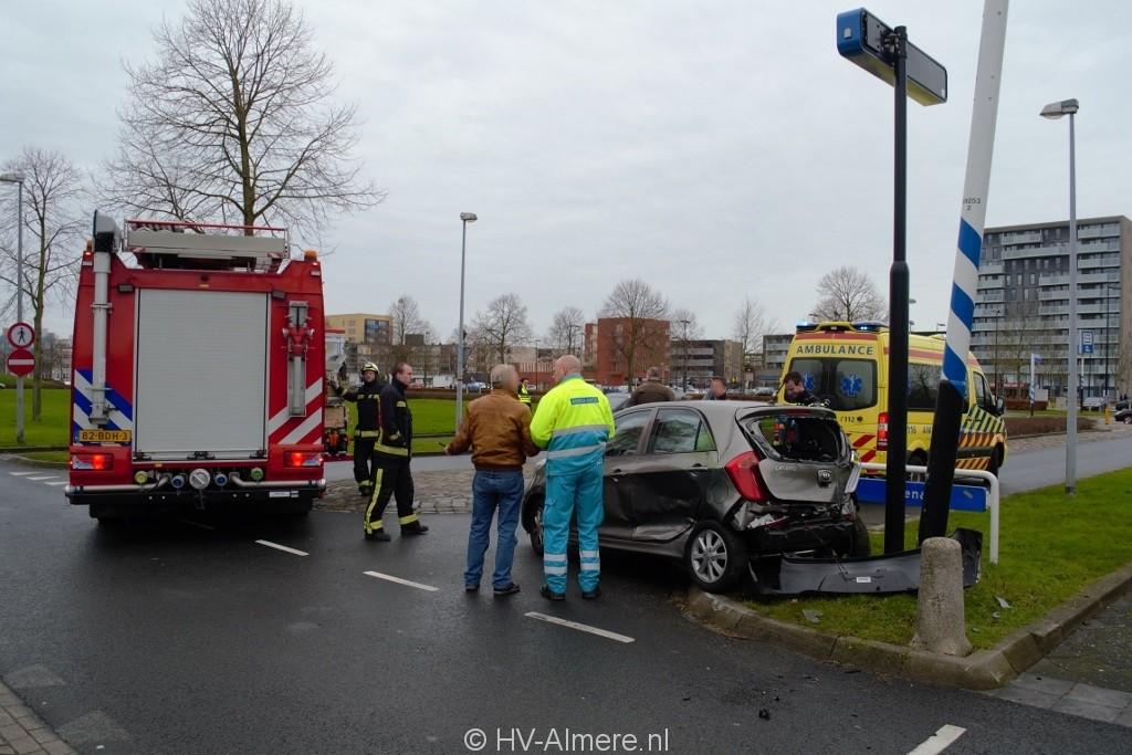 Geen actie verkeersveiligheid Evenaar   HV Almere