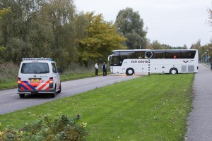 NS-bus vast in gras na keeractie (1)