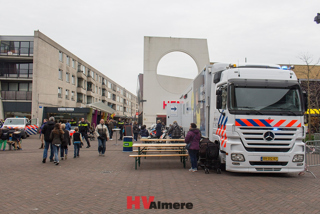 Evenement politie Almere Buiten groot succes   HV Almere