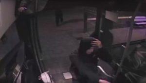 Politie vraagt om tips busoverval De Wierden-1