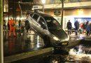 Man belandt met auto in het water