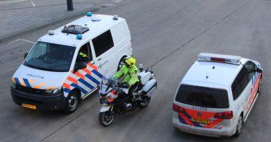 17-jarige zwartrijder valt agenten aan bij station Centrum
