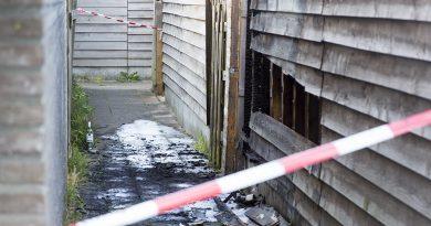 Politie onderzoekt brand in schuur Sirtakistraat