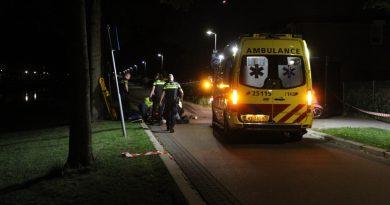 Scooterrijder ernstig gewond na aanrijding met paaltje