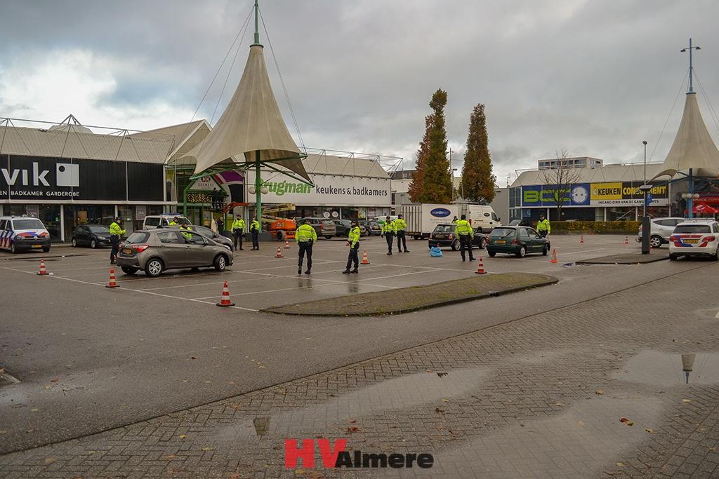 Aanhouding bij grote verkeerscontrole Almere Buiten - HV-Almere