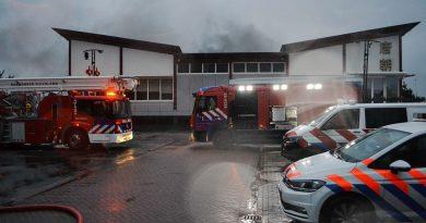 Grote brand in restaurant aan de Sumatraweg