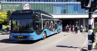 Busverkeer hervat na aanrijding rotonde Krakeling